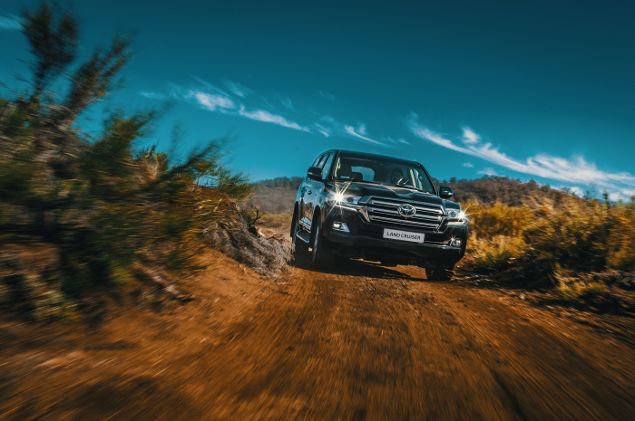 Toyota Land Cruiser 200 – фотография 1