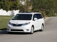 Toyota Sienna photo